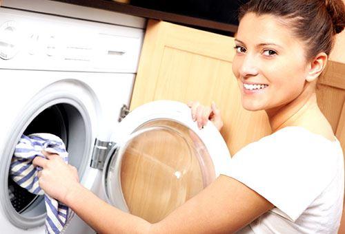 Если у вас сломалась стиральная машинка, не пытайтесь сами отремонтировать, а обращайтесь в сервисы, где делают ремонт стиральных машин.
