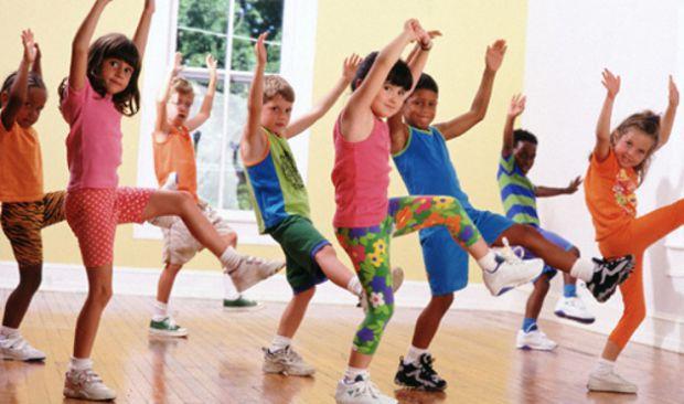 Активний спосіб життя незамінний для школярів, тому що запобігає проблемам з хребтом.
