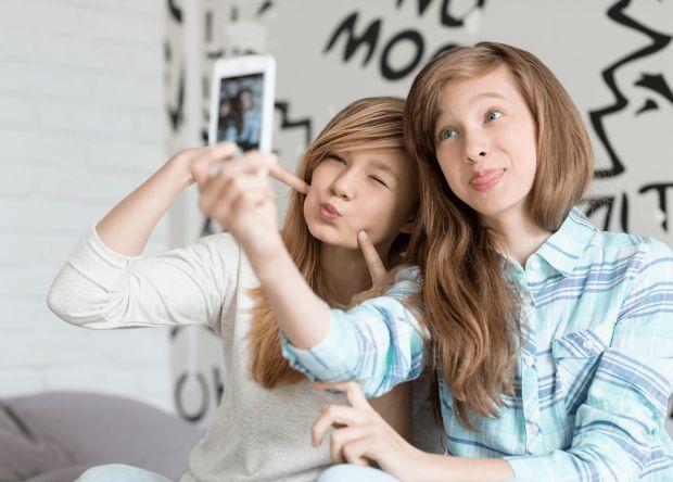 Коли дитина переходить у стадію підлітка, прищепити нові навички набагато складніше. Підліток - це ходячий клубок протиріч і хаосу в голові. Позбавте