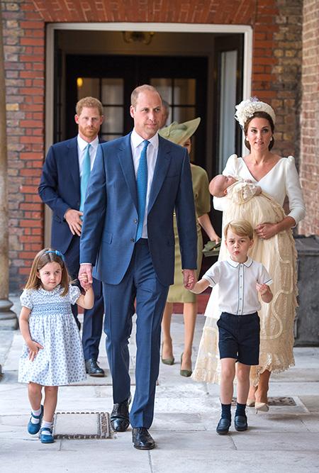 Принц Вільям і Кейт Міддлтон похрестили сина (Фото)