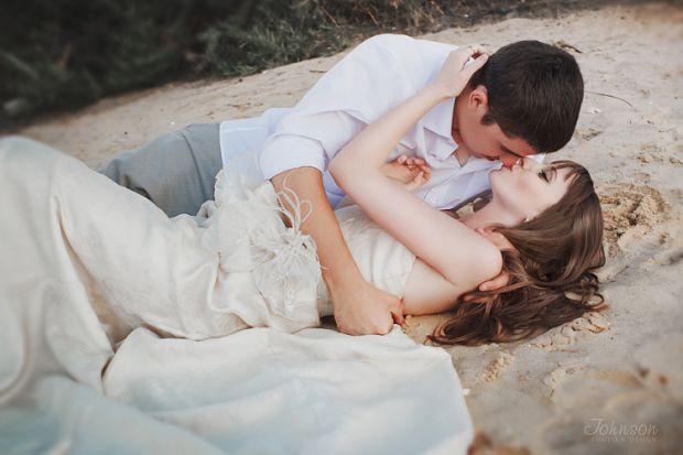 Якими повинні бути свідки на весіллі, або, як кажуть в народі, - дружба і дружка, котрі охороняють головних учасників цієї урочистої події і знаходять