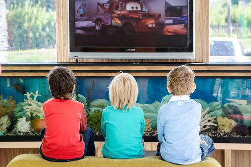Сучасні діти мають доступ до мультфільмів практично цілодобово. Немає необхідності чекати нову серію улюбленого мультика до завтра: включи інтернет і