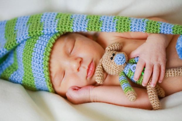 Сон немовлятНауковці впевнені, що завдяки посмикуванням у сні немовлята вчаться керувати своїм тілом.