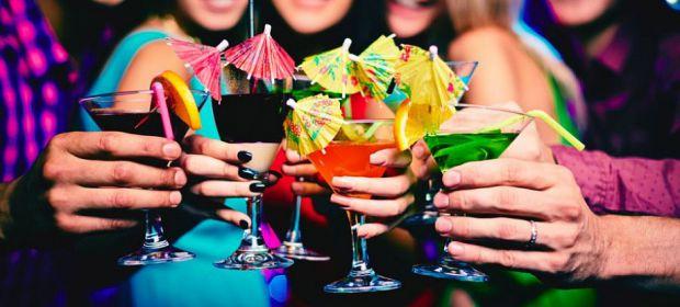 Вживання алкогольних напоїв набуло широкого поширення серед підлітків. З огляду на сформовані в суспільстві традиції, коли радісні й сумні події в жит