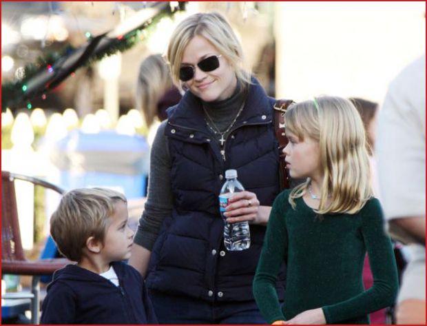 Акторка радіє материнству і насолоджується можливістю провести час зі сім'єю.