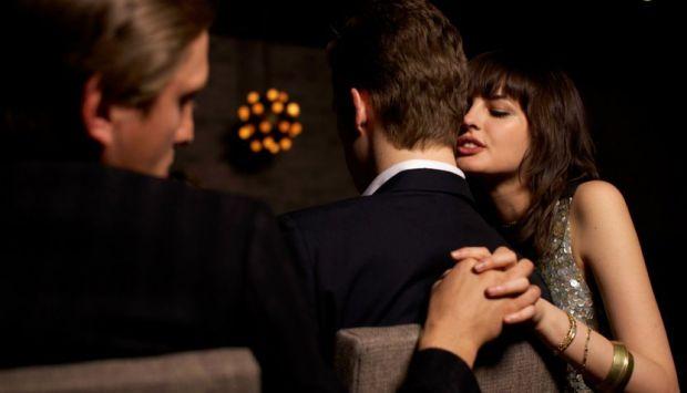 Зрада - поширене явище. Не варто зарікатися, що ви ніколи і ні за яких умов не зміните партнера. Таку точку зору психологи називають наївною. За числе