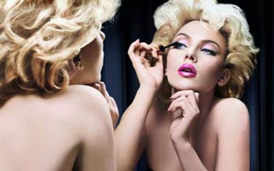 Деякі жінки просто не можуть жити без декоративної косметики. Але рано чи пізно ваш коханий повинен буде побачити ваше обличчя без макіяжу. Коли?