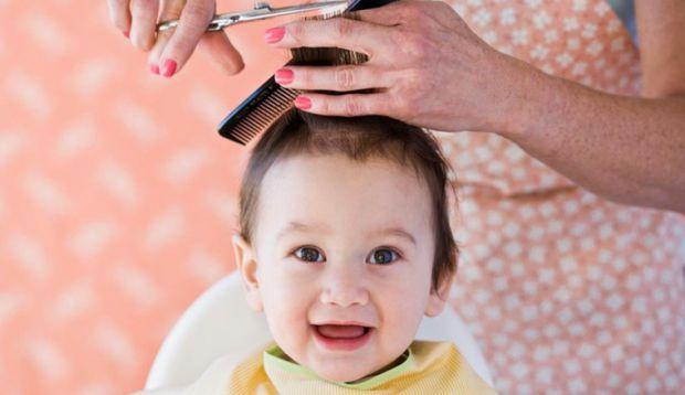 Багатьох батьків цікавить, коли можна підстригати волоссячко малюку, як часто це робити тощо. Всі відповіді стосовно зачіски дитини ви знайдете у мате