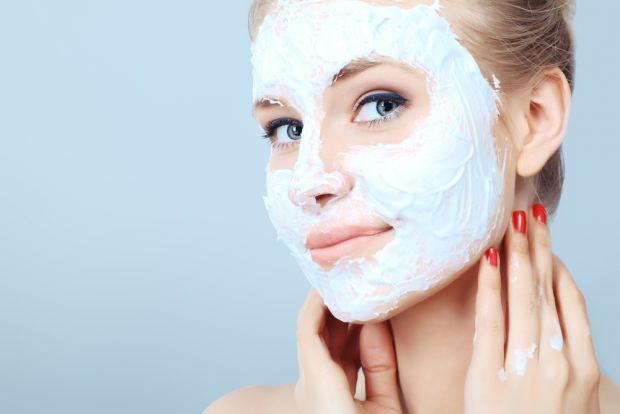 Домашні засоби не менш ефективні за дорогі засоби для догляду за обличчям, просто ми лінуємося витратити кілька хвилин на приготування