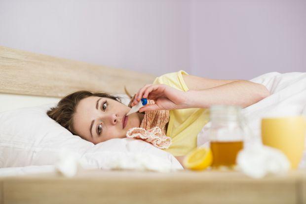 3 рецепти, як вилікувати вологий кашель з допомогою компресів.