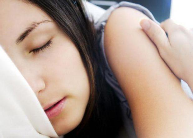 Добре, якщо дитина жайворонок, тоді їй легше прокидатися вранці. А що робити батькам сов?