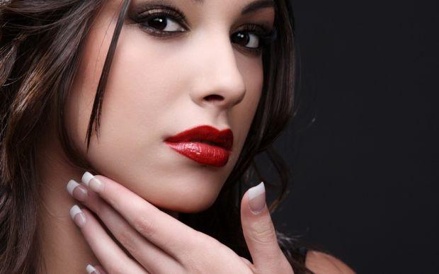 Є спосіб зробити наші губи красивими і об'ємними - це гімнастика.Лише кілька хвилин на день, присвячених на вправи для губ, повернуться вам сторицею.