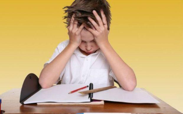 Вчити дітей справлятися з несподіваними проблемами не менш важливо, ніж навчати їх навичкам письма або їзді на велосипеді. До такого висновку прийшли