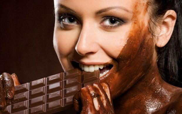Вчені заявили, що майбутнім мамам, якщо у них немає протипоказань, шоколад просто необхідний.