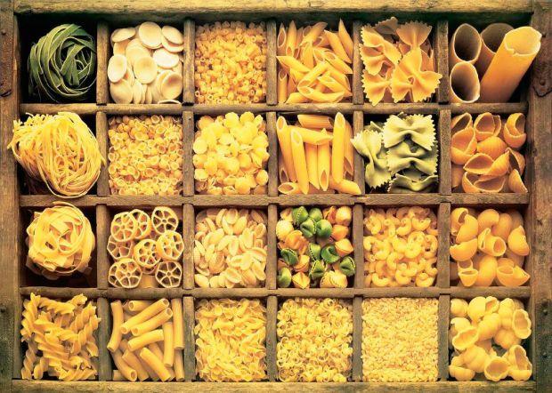 90% смаку страви залежить від свіжості і якості інгредієнтів, і макарони - не виняток. Італійські кухарі радять не економити на пасті і рекомендують к