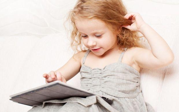 Українські психологи провели дослідженняВиявляється, у дітей вже є залежність від гаджетів. Дитячий психолог Катерина Мурашова провела експеримент, як