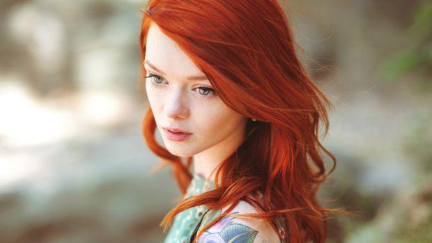 Американські психологи вважають, що жінка, яка хоче позбутися депресії, прагне, аби на неї більше уваги звертали чоловіки, повинна пофарбуватися в руд
