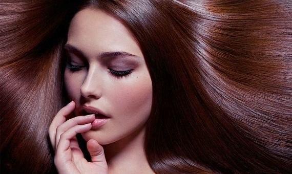 Як зробити волосся пишнішим?Для того, щоб зробити волосся більш пишним, можна розтирати голову махровим рушником. Волосся слід трохи намочити і після