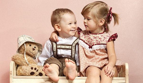 Рости одному в сім'ї - дуже скучно, а ось мати брата чи сестру - це весело, адже завжди є з ким погратися. І посваритися теж! Це у дорослому віці брат