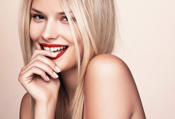 Для того, щоби завжди бути красивою, жінкам доводиться докладати більше зусиль, ніж може здатися на перший погляд. Але немає нічого неможливого для то