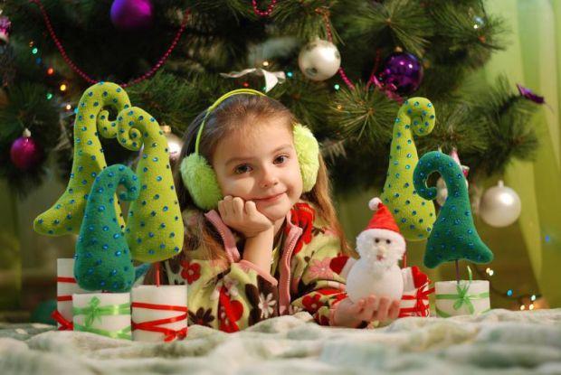 Всі ми знаємо, що діти обожнюють Новий Рік, очікують подарунки, загалом - це чарівний зимовий час. Батьки починають думати, шукати, що подарувати малю