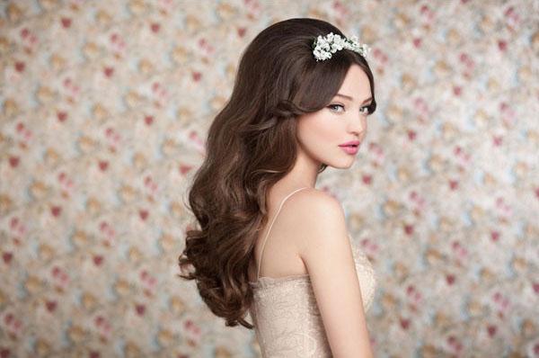 3950_svadebnye-pricheski-i-svadebnyj-makijazh_15.jpg (67.35 Kb)