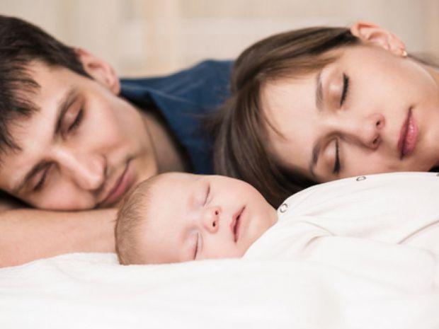 Більшість матерів задаються питанням, в якому віці краще всього це зробити, однак точної дати ніхто вам назвати не зможе. Проте, є деякі ознаки, які п