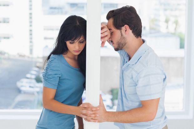 Психологи знайшли шкідливу звичку, яка руйнує відносини між закоханими.