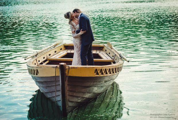 Ви досі мрієте зустріти своє справжнє кохання, але все марно? Звичайно, чоловік вашої мрії дозволить пізнати безмежний світ любові і повірити в те, що