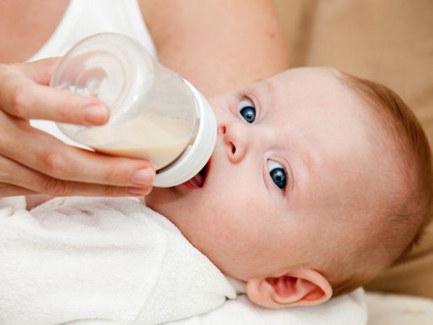 Читайте, як правильно розрахувати потрібний обсяг суміші, щоб нагодувати малюка.