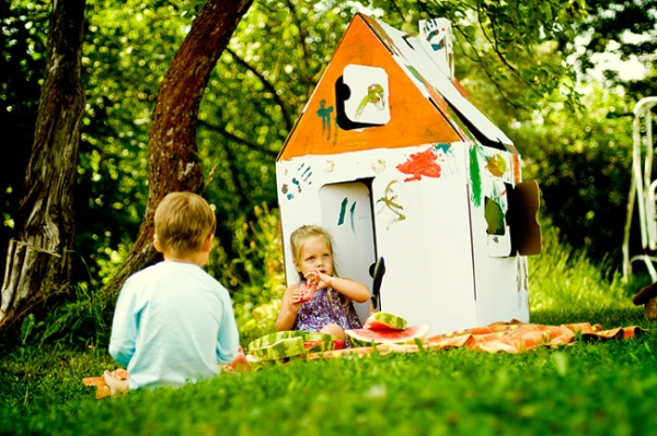 Моменти з дитинства супроводжують нас все життя.Не забудьте подарувати своїй дитині щасливі спогади.