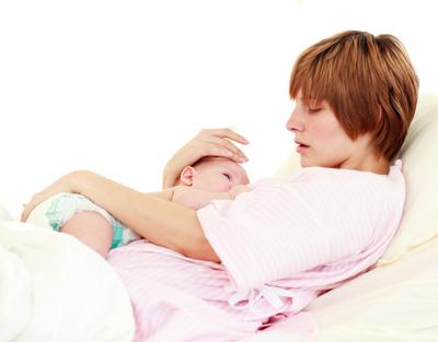 Як відомо, материнське молоко - це ідеальна їжа для малюка. Воно містить усі необхідні речовини в оптимальній кількості, правильному співвідношенні і