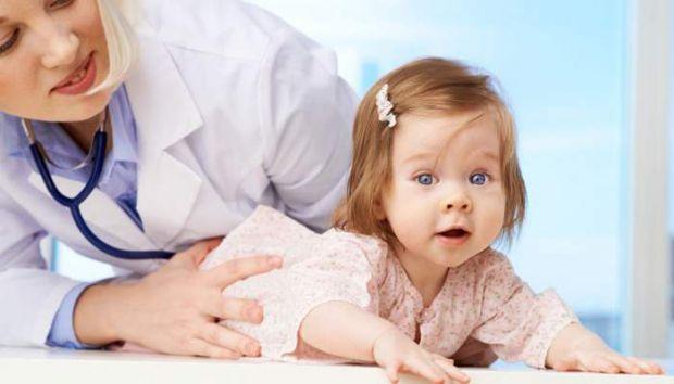 Мами маленьких дітей пристойно часу проводять в черзі до лікарів. Зараз завдяки електронному запису, кількість годин під кабінетом скоротилися, але не