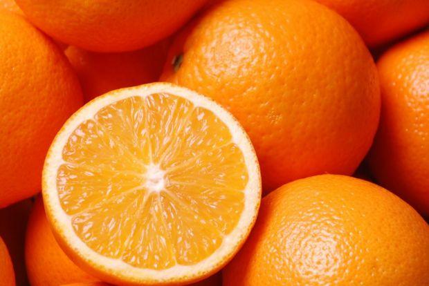 Вчені виявили нову корисну властивість апельсина. Цей фрукт може допомогти при гіпертонії, оскільки здатний знизити кров'яний тиск.