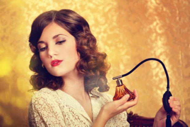 4093_perfume-girl-w724.jpg (36.36 Kb)