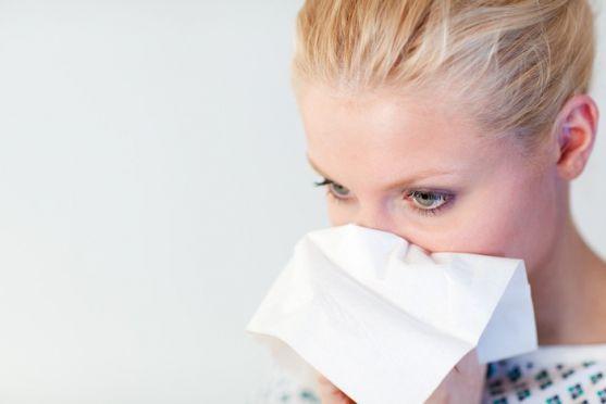 Доктор Аллен Мітчелл  з Бостонського університету розповів, чому вагітним жінкам не можна користуватися назальними спреями.