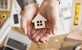 Занизить цену недвижимости в будущем будет труднее, так как правительство пытается заставить украинцев платить налоги от реальной стоимости жилья. И х