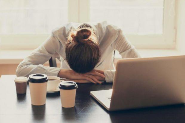 Дослідники пов'язують симптоми втоми з неправильним способом життя.