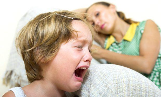 «Діти, які потребують любові більше за всіх, поводяться гірше за всіх». Краще й не скажеш. Бувало у вас таке: діти вимагають вашої уваги, але поводять
