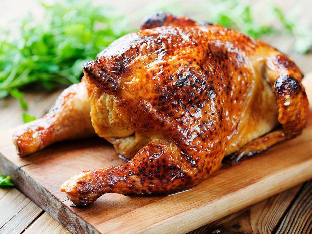 Як би дивно це не було, але смажена курка (хоча вся смажена їжа шкідлива) більше шкодить жіночому організмові, ніж чоловічому. Чому так?