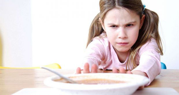Якщо ваша дитина застудилася і відмовляється від їжі, тоді ось декілька порад батькам, щоб у дитини знову з'явився апетит.