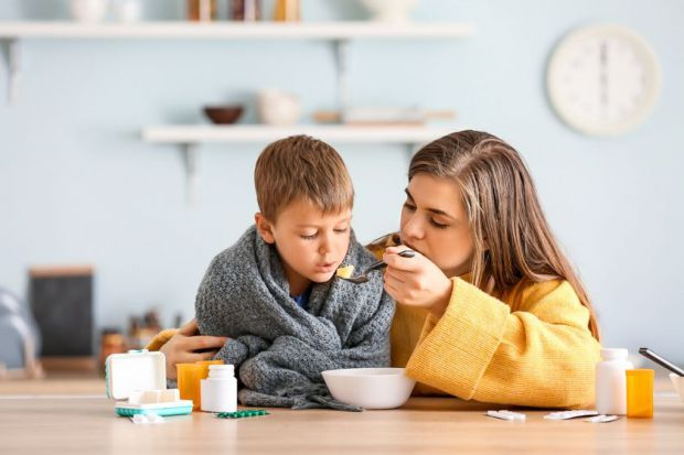 Як тільки дитина починає чхати і покашлювати, багато мам і татів спішать в аптеку за противірусними, щиро вірячи, що такі пігулки допоможуть їх чаду ш