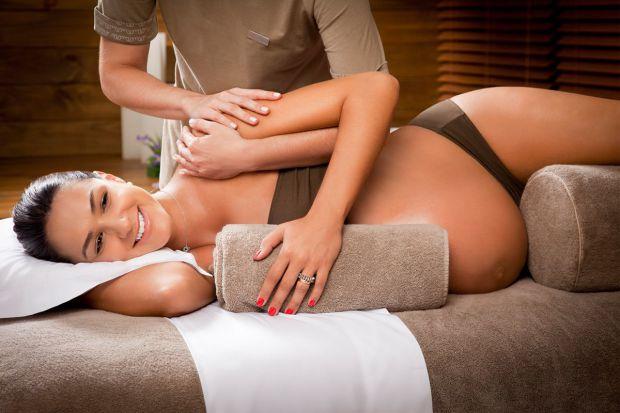 Беременность для многих женщин - это состояние стресса и напряжения. Прекрасные ощущения будущей матери могут быть снабжены специальным массажем для б