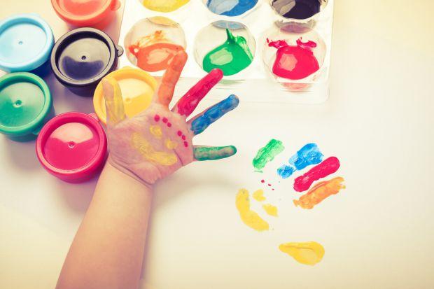 Арт-терапія або «лікування мистецтвом» - досить новий, проте популярний засіб психотерапії. Особливо актуальною арт-терапія є для дітей. Арт-терапія м