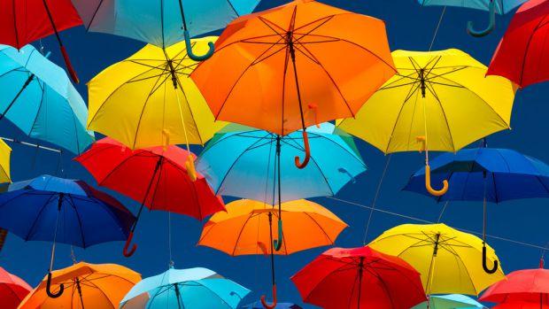 Вчені придумали парасольку, під якою завжди літо. Ноу-хау розробили для тих, хто з настанням осені впадає в депресію.