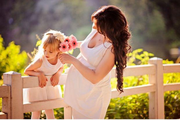 Період вагітності дарує жінці унікальну можливість проявити себе, як ніжне та романтичне створіння))Забудьте про сірі кофти і звичні джинси,