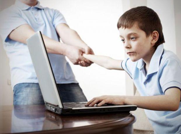 Чим небезпечні ігри на комп'ютері чи планшеті - читайте далі у матеріалі.