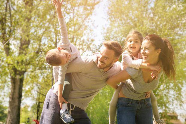 Сімейні ритуали - це той цемент, який зміцнює фундамент сім'ї. Вони особливо потрібні дітям в юному віці. Ми підготували сімейні ритуали, які вчать ві