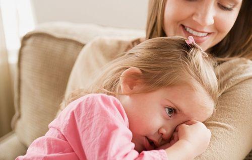 Матусі сьогодні віддають перевагу лояльним методам виховання дітей, але є й не надто добрі мами, які не те, що своїх, а й чужих дітей лякають на вулиц