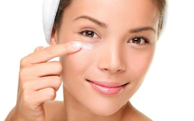 Колір шкіри - перше на що дивляться і бачать люди, тому вам потрібний ретельний догляд за нею.